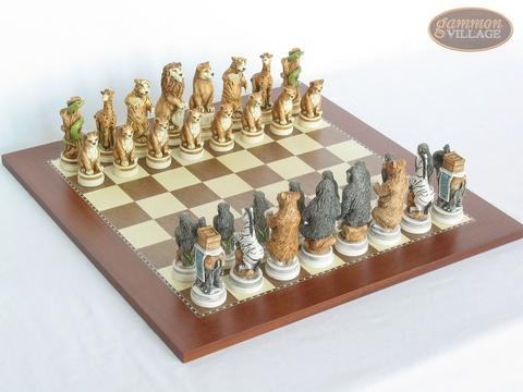 Jungle Life Chessmen with Spanish Traditional Chess Board [Large]