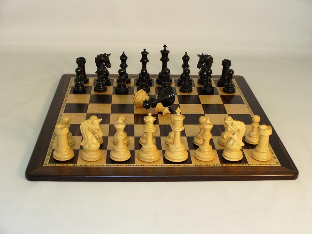Ebony Parthenon Chessmen with Ebony and Birdseye Maple Wood Chess Board