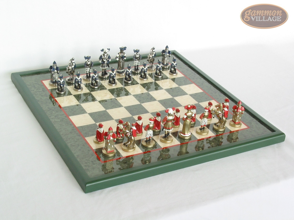 Magnificent Chessmen with Italian Lacquered Board [Green]
