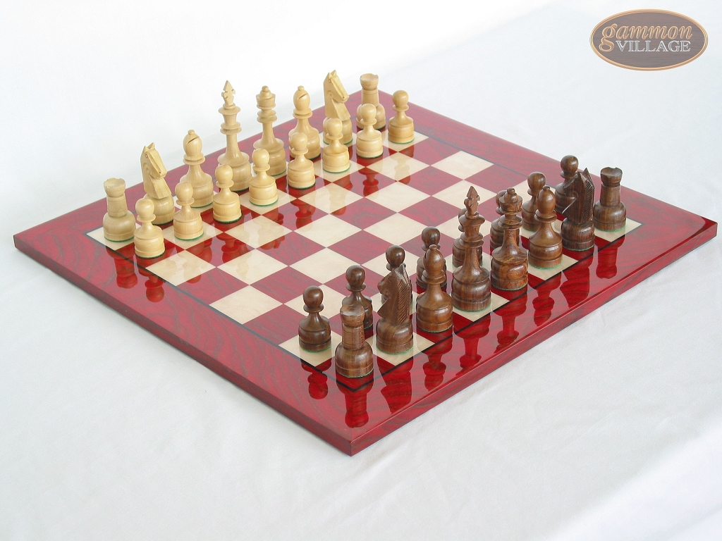 Exclusive Staunton Maple Chessmen with Italian Lacquered Chess Board [Red]